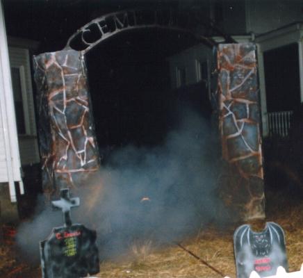 Fog-gate.jpg (132046 bytes)